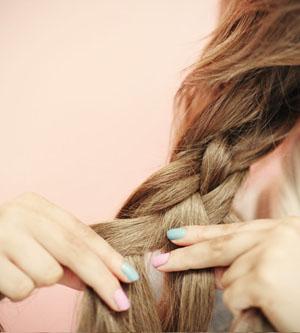 На что обращать внимание при плетение косы из 4 прядей
