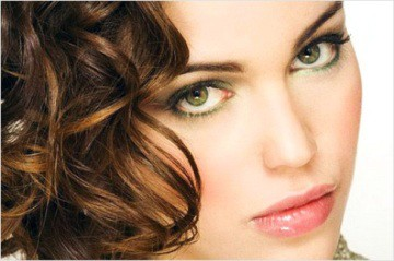 Какой цвет волос подойдёт к зеленым глазам