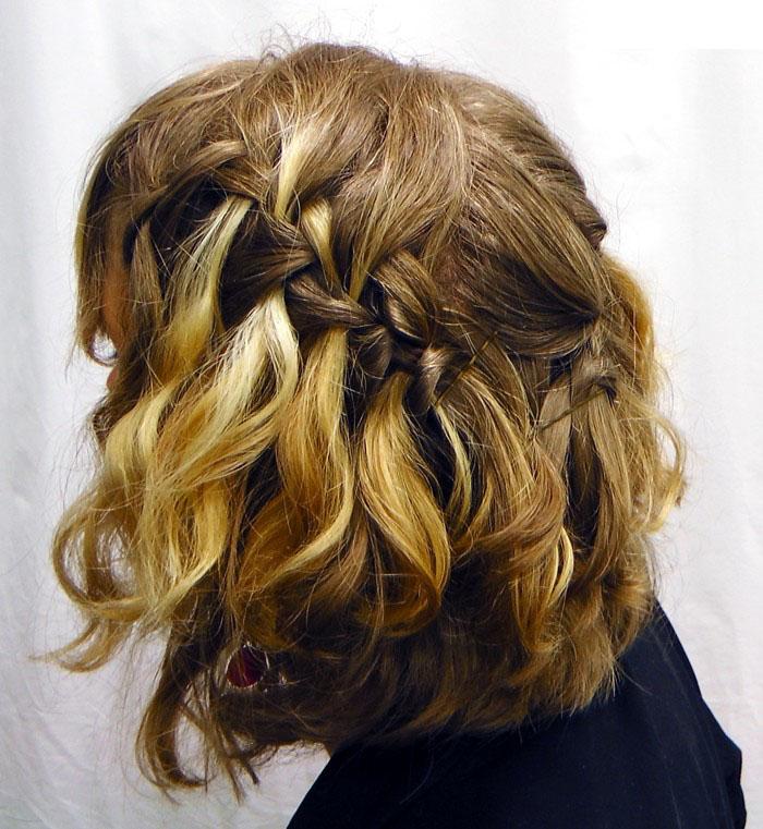 Прическа водопад на средние кудрявые волосы