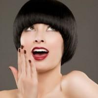Стрижка «шапочка» на короткие волосы