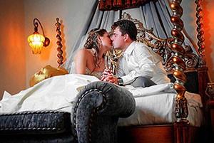 что происходит ночью в спальне после свадьбы частное видео