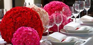 Как украсить зал на свадьбу своими руками бумажными помпонами