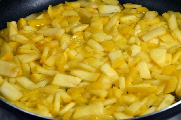 Вкусные пышные оладушки на молоке рецепт с фото
