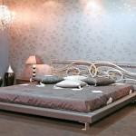 Какие обои лучше клеить в спальне, чтобы комната способствовала максимальному расслаблению и полноце...