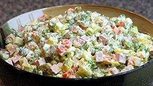 Калорийность салата оливье с колбасой