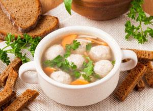 Куриный суп с домашней лапшей