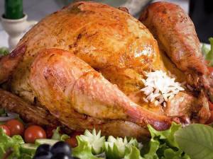 Курица в духовке, фаршированная рисом