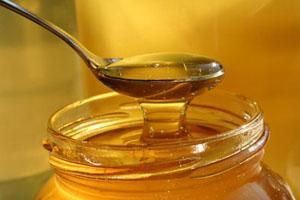 Растворение меда в воде