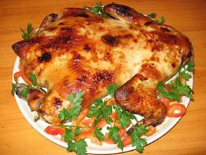 рецепт курицы фаршированной черносливом и яблоками в духовке
