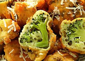 Брокколи с зеленым чесночком в кляре