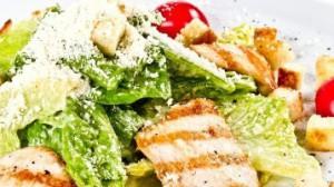 Салат цезарь с курицей классический рецепт для хозяек