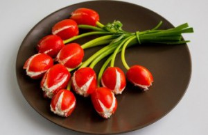 Тюльпаны с брынзой и чесноком приготовление блюда
