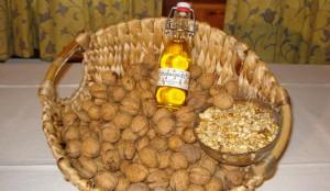 Масло грецкого ореха польза и вред такого продукта