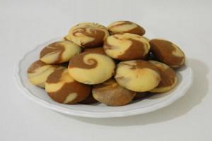 Готовим двухцветное печенье курабье