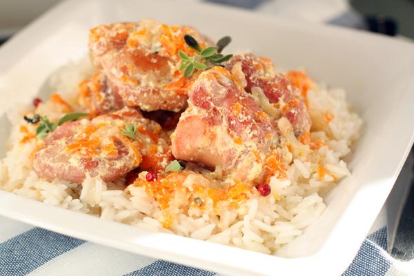 Рецепт кролика в сметанном соусе в духовке