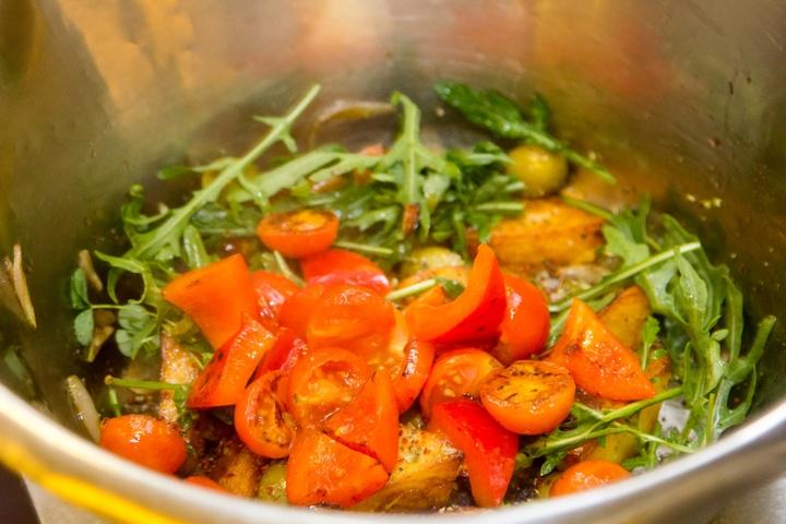 Простой праздничный салат с мясом