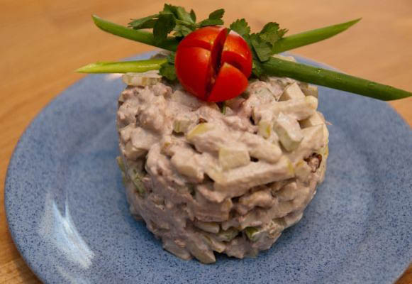 салат из сельдерея с яблоками рецепт с фото
