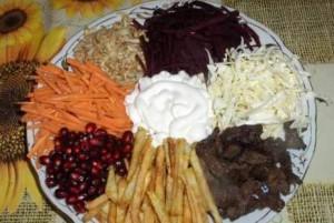 Обычные ингредиенты для салата