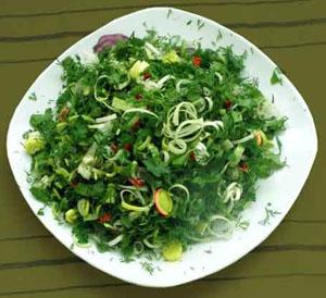 Салат из стеблей шпината и щавеля