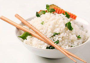 Японский гарнир из риса и яйцами
