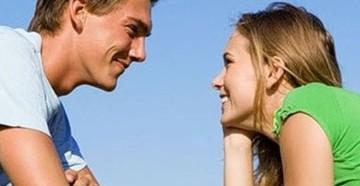 как понять что ты нравишься девушке женщине признаки