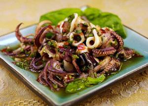 Кальмаровый салат рецепт классический