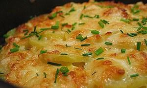 Картофель с курицей на молоке запеченные в духовке