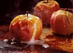 Польза и вред печеных яблок в духовке