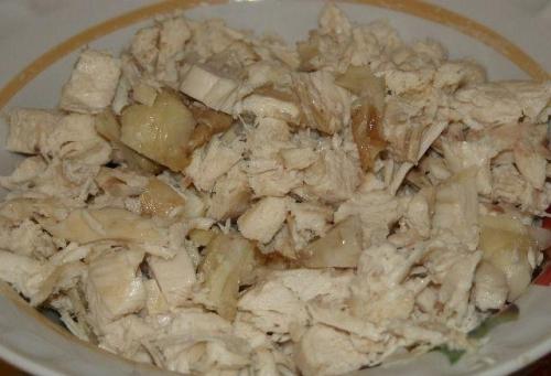 Салат мясной с курицей