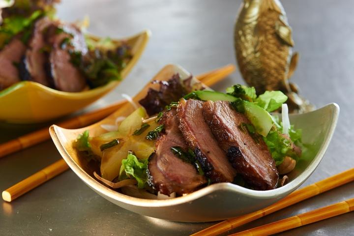 Салат с мясом индоутки