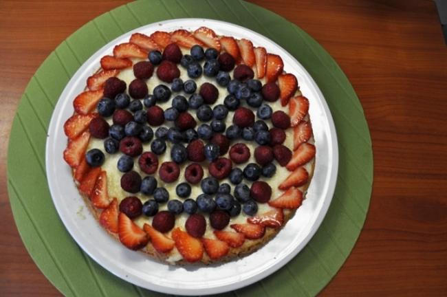 Рецепт выпекания тирольского пирога с ягодами