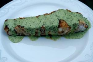 Осетрина под зеленым соусом с лаймом и кинзой