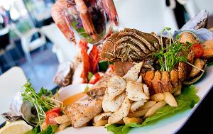 Нежный салат из морепродуктов