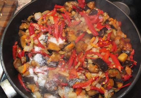 Процесс приготовления вкусного блюда на обед