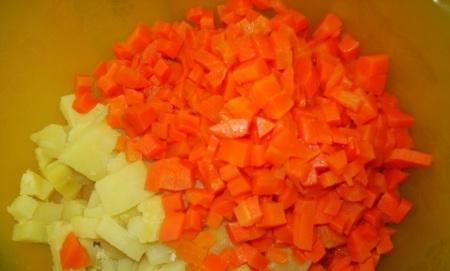 Морковь со свининой