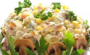 Технология приготовления салата с консервированными шампиньонами и огурцом