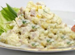 Рецепт салата зимний с колбасой русский ответ французскому аналогу салата