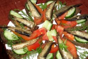Приготовление закусок со шпротами
