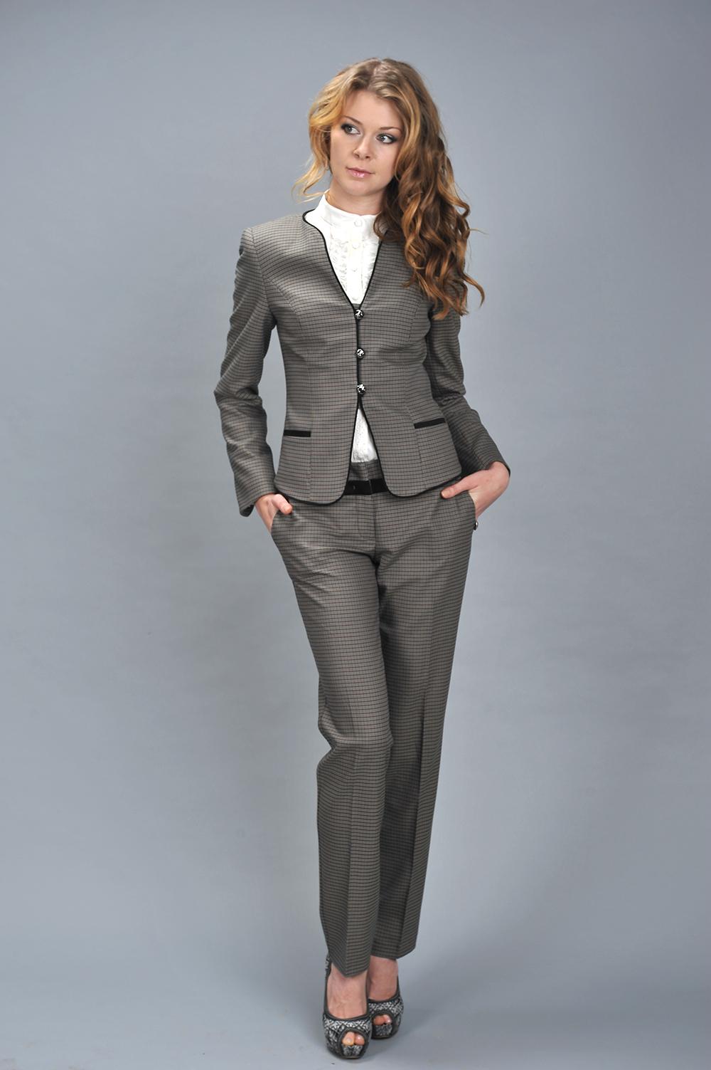 Женские стильные костюмы доставка