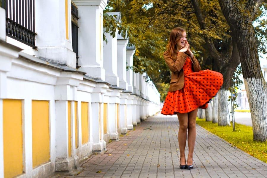 В платьях и юбках