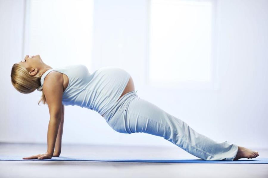 Можно ли заниматься йогой при беременности
