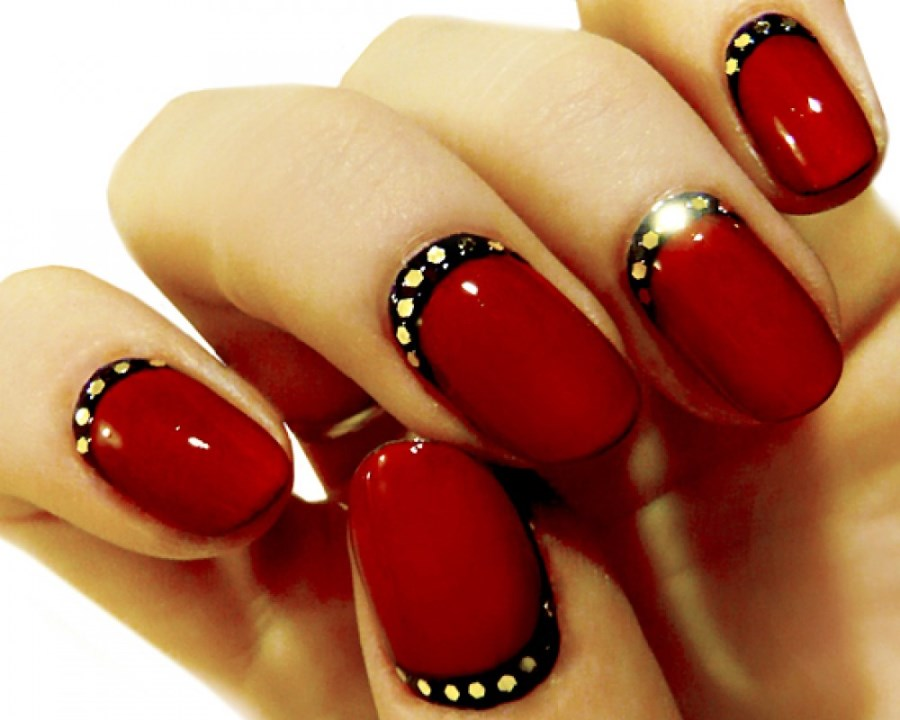 Маникюр с красным и черным гель лаком новинки 2016 на короткие ногти