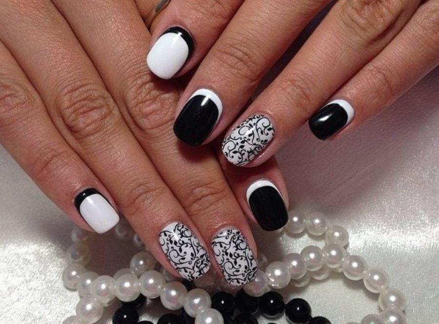 Дизайн ногтей в черно-белых тонах