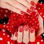 Идеи маникюра красного с белым цветов