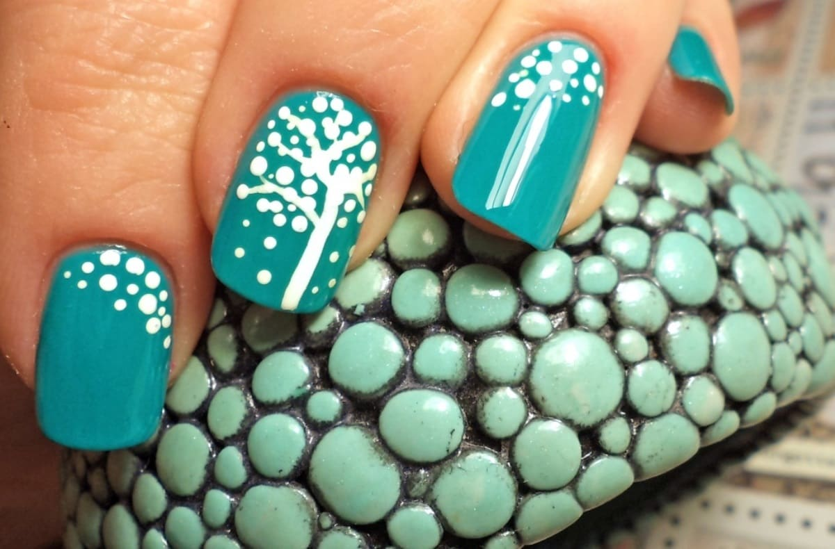 Бирюзовые короткие ногти дизайн