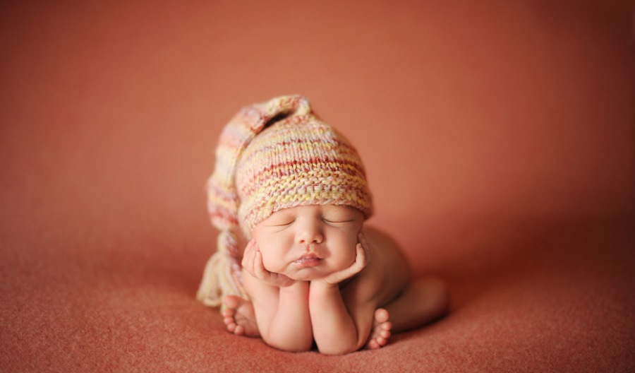 Режим новорожденного ребенка по часам
