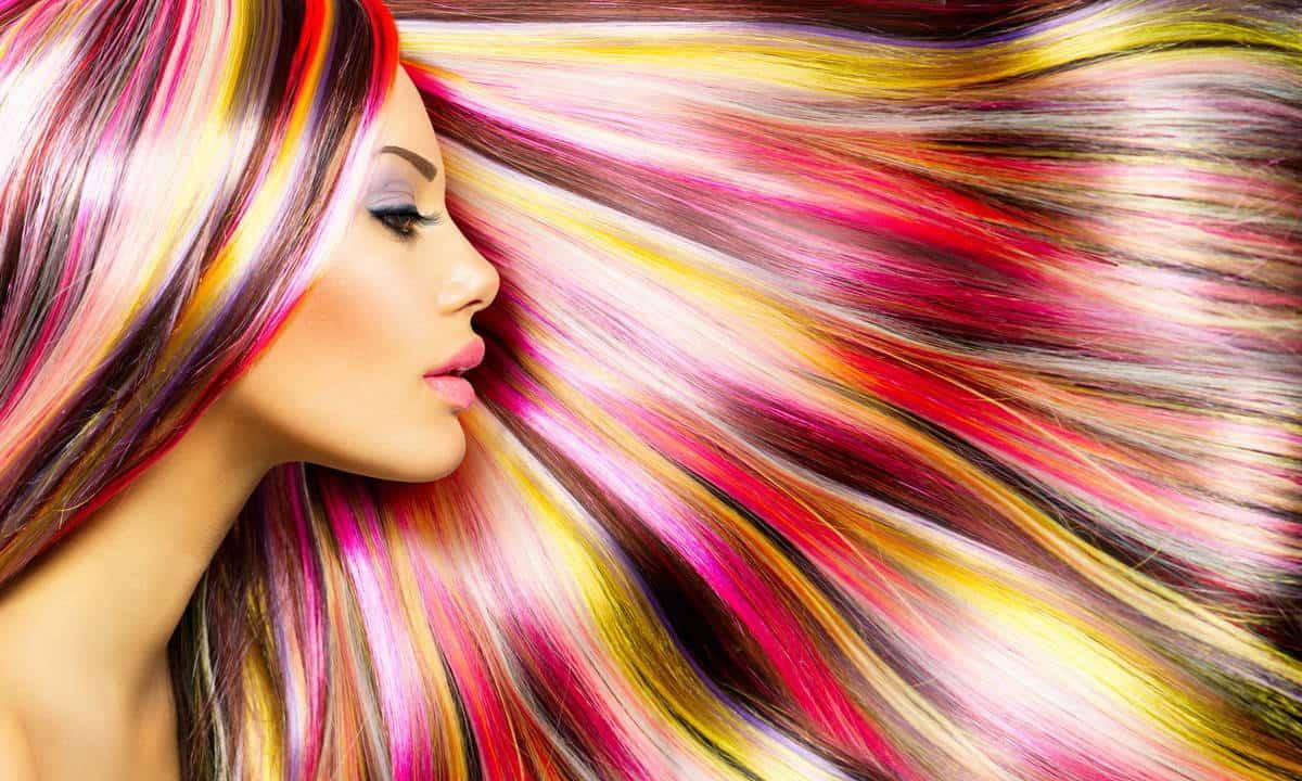 Красить волосы во время месячных - за и против