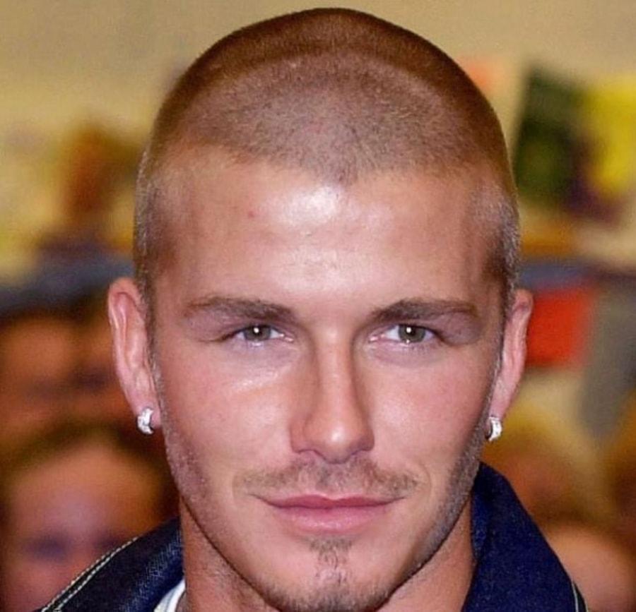 Короткая мужская прическа на уши
