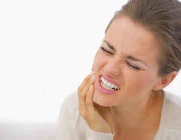 Болит десна в конце нижней челюсти - что делать