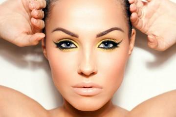 Татуаж глаз – главное оружие женской красоты